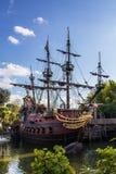 Piratenschiff in Disneyland Stockbild
