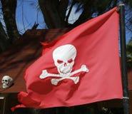 Piratkopiera flaggan på den Bavaro stranden i Punta Cana, Dominikanska republiken Royaltyfri Bild