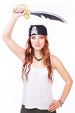 Piratkopiera kvinnan med svärdet Arkivbild