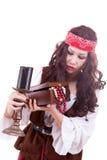 Piratkopiera kvinnan på vit bakgrund Arkivfoton