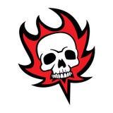 Piratkopiera skallen och brand Fotografering för Bildbyråer