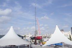 Piratkopierar av den karibiska yachten Royaltyfri Bild