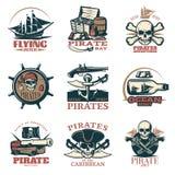Piratkopierar emblemuppsättningen i färg stock illustrationer