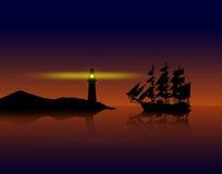 Piratkopierar skeppet mot solnedgång Royaltyfri Bild