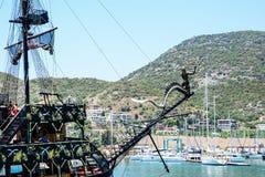 Piratkopieraskeppet på stranden av Cleopatra Arkivfoton