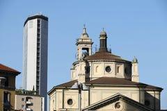 Pirelli torn i Milan Royaltyfri Foto