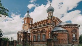 Pirevichi by, Zhlobin område av den Gomel regionen av Vitryssland All helgonkyrka är gammal kulturellt och arkitektonisk arkivfilmer