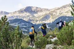 Pirin山的,保加利亚远足者 免版税库存图片