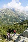 Pirin山的,保加利亚远足者 免版税图库摄影