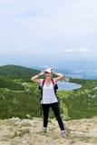 Pirin山的, Bezbog湖远足者妇女 图库摄影