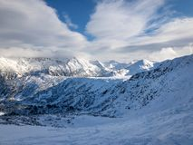 Pirin-Berg im Winter lizenzfreie stockfotografie