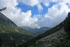 Pirin - berglandskap Arkivfoto