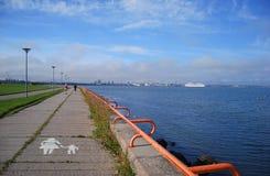 Pirita promenada morze bałtyckie along, Tallinn Zdjęcie Royalty Free