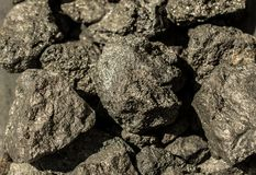 A pirite mineral, ou pirite de ferro, igualmente conhecida como o ouro dos tolos imagens de stock royalty free