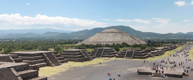 Pirmide del Solenoid i Teotihuacan arkivfoton