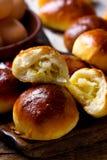 Pirogi fait maison Pâtisseries russes traditionnelles images stock