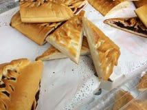 Pirogi russe de tartes à vendre à Moscou, Russie photographie stock libre de droits