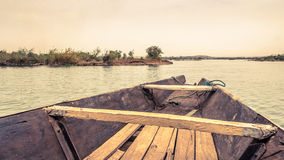 Pirogue på Niger River i Mali Arkivbilder