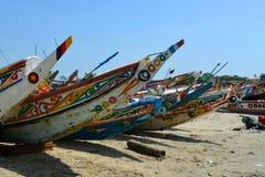 Pirogues colorées de pêche photo libre de droits