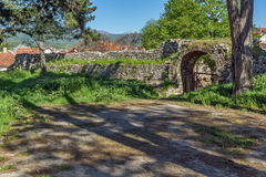 PIROT, SÉRVIA -16 ABRIL DE 2016: Vista surpreendente da fortaleza de Pirot, Sérvia Imagens de Stock Royalty Free
