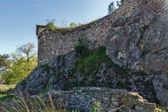 PIROT, SÉRVIA -16 ABRIL DE 2016: Vista surpreendente da fortaleza de Pirot, Sérvia Fotografia de Stock Royalty Free