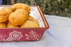 Pirozhki, rosyjski tradycyjny jedzenie w talerzu Zdjęcia Stock