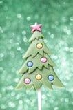 Piruleta en forma del árbol de navidad Fotos de archivo libres de regalías