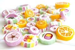 Piruletas coloridas del caramelo Imágenes de archivo libres de regalías