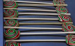 Piruletas coloridas sabrosas Imágenes de archivo libres de regalías
