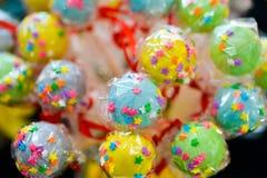 Piruletas coloridas y del joyfull Imagen de archivo