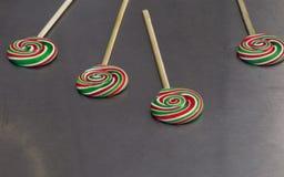 Pirulitos coloridos saborosos Imagens de Stock