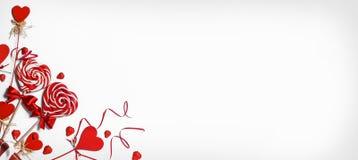 Pirulitos do coração no branco Imagens de Stock Royalty Free