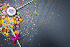 Pirulitos e doces coloridos Fotos de Stock Royalty Free