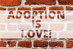 Pisać nutowej pokazuje adopcji Jest miłością Biznesowa fotografia pokazuje akcję lub fact adoptować lub adoptuje jest miła zdjęcie royalty free
