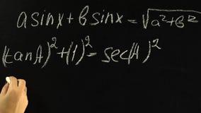 Pisać matematyk formułach na blackboard zdjęcie wideo