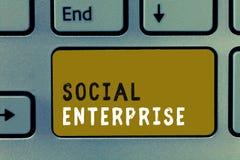 Pisać nutowego pokazuje Ogólnospołecznego przedsięwzięcia Biznesowa fotografia pokazuje biznes który robi pieniądze w społecznie  obrazy royalty free