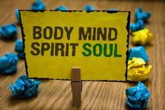 Pisać nutowej pokazuje ciało umysłu ducha duszie Biznesowa fotografia pokazuje ogłoszenie towarzyskie terapii świadomości stanu u zdjęcie stock