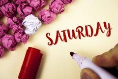 Pisać nutowej pokazuje Sobocie Biznesowa fotografia pokazuje Pierwszy dzień weekendowy Relaksujący czasu wakacje czasu wolnego mo Zdjęcia Royalty Free