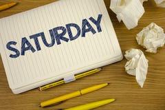Pisać nutowej pokazuje Sobocie Biznesowa fotografia pokazuje Pierwszy dzień weekendowy Relaksujący czasu wakacje czasu wolnego mo Zdjęcie Stock