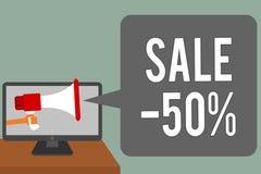 Pisać nutowej pokazuje sprzedaży 50 Biznesowa fotografia pokazuje A promo cenę rzecz przy 50 procentów markdown mężczyzna chwyta  ilustracji
