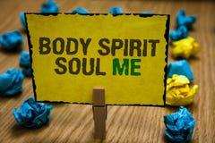 Pisać nutowemu pokazuje ciału Spirytusowej duszie Ja Biznesowa fotografia pokazuje ogłoszenie towarzyskie terapii świadomości sta obrazy royalty free