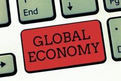 Pisać nutowemu seansowi Globalnej gospodarce Biznesowa fotografia pokazuje system przemysłu i handlu kapitalizm dookoła świata obraz royalty free