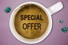 Pisać nutowemu seansowi Specjalnej ofercie Biznesowa fotografia pokazuje sprzedawanie przy niskim lub pomijającym cena tranzakcja zdjęcia stock