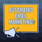 Pisać nutowy seans Automatyzującym emaila marketingu Biznesowa fotografia pokazuje emaila wysyłał automatycznie lista pokazywać royalty ilustracja