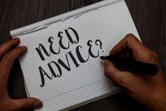 Pisać nutowym seans potrzeby rada pytaniu Biznesowa fotografia pokazuje someone Pytać jeżeli chce rekomendacje lub przewodnictwo  obraz stock