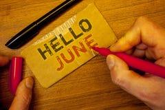 Pisać nutowym seansie Czerwiec Cześć Biznesowe fotografie pokazuje Zaczynać nową miesiąc wiadomość Maj są nad lata startingMan tw Zdjęcie Stock