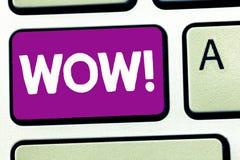Pisać nutowym seansu no! no! Biznesowa fotografia pokazuje Rewelacyjnego sukcesu odciśnięcie i ekscytuje someone Ekspresowa admir obrazy stock