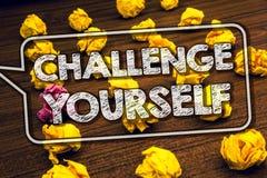Pisać nutowym seansu wyzwaniu Yourself Biznesowa fotografia pokazuje Pokonującego zaufania ośmielenia ulepszenia Silnego wyzwanie fotografia stock