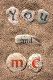Pisać słowach na kamieniach w czarnym i czerwonym atramencie obrazy royalty free
