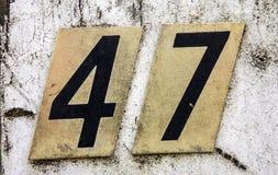 Pisać sformułowania w Zakłopotanym stanie typografia Znajdująca liczba Czterdzieści siedem 47 zdjęcia stock